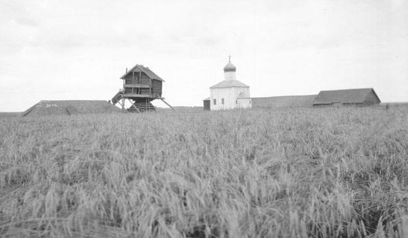Вид на церкву і млин. Дореволюційне фото / foma.ru