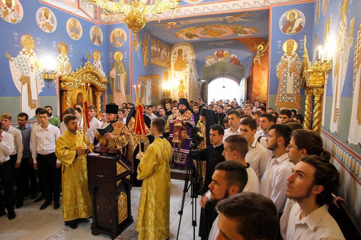 У Київських духовних школах почалась вступна кампанія / kdais.kiev.ua