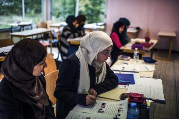 В країні налічується 10 тисяч школярів-мусульман / Islam-today