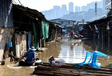На северо-запад Китая обрушились мощные ливни