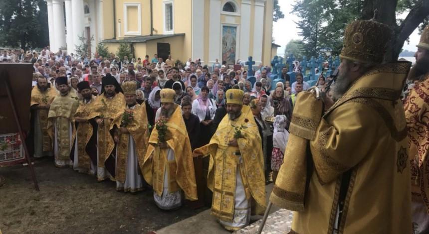 В Свитязком Петропавловском монастыре отметили престольный праздник