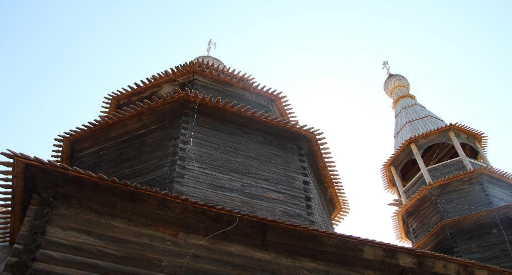 Реставратори випрямили новгородську дзвіницю, прозвану в народі «Пізанською вежею» / foma.ru