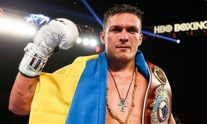 Усик отметил, что ему не страшны нападки со стороны тех, кто осуждает крестный ход / ua-football.com
