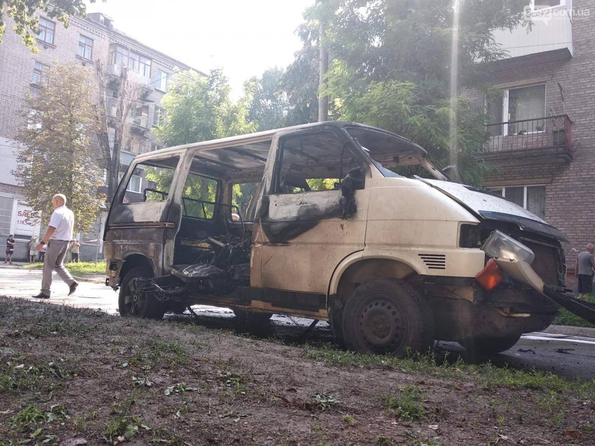 Инцидент произошел во время движения микроавтобуса / фото 5692.com.ua