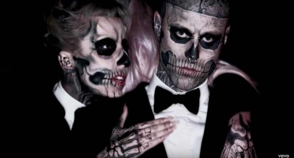 """Парень-Зомби"" ушел из жизни / Кадр из видео Lady Gaga - Born This Way"