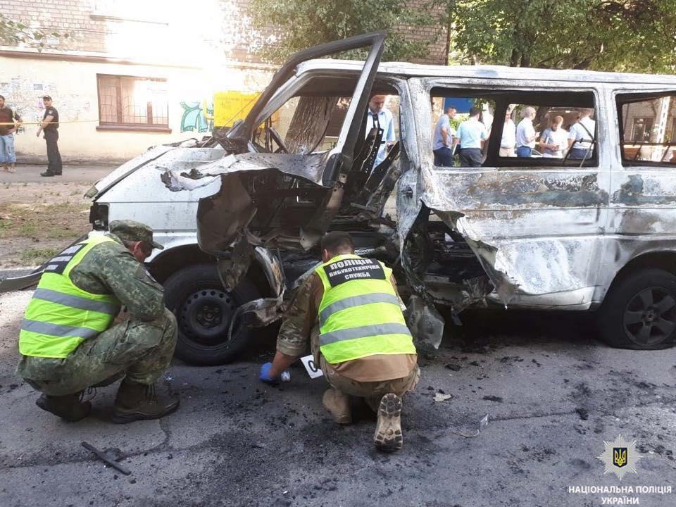 У Дніпрі прооперували постраждалого від вибуху авто у Кам'янському депутата / фото Нацполіція