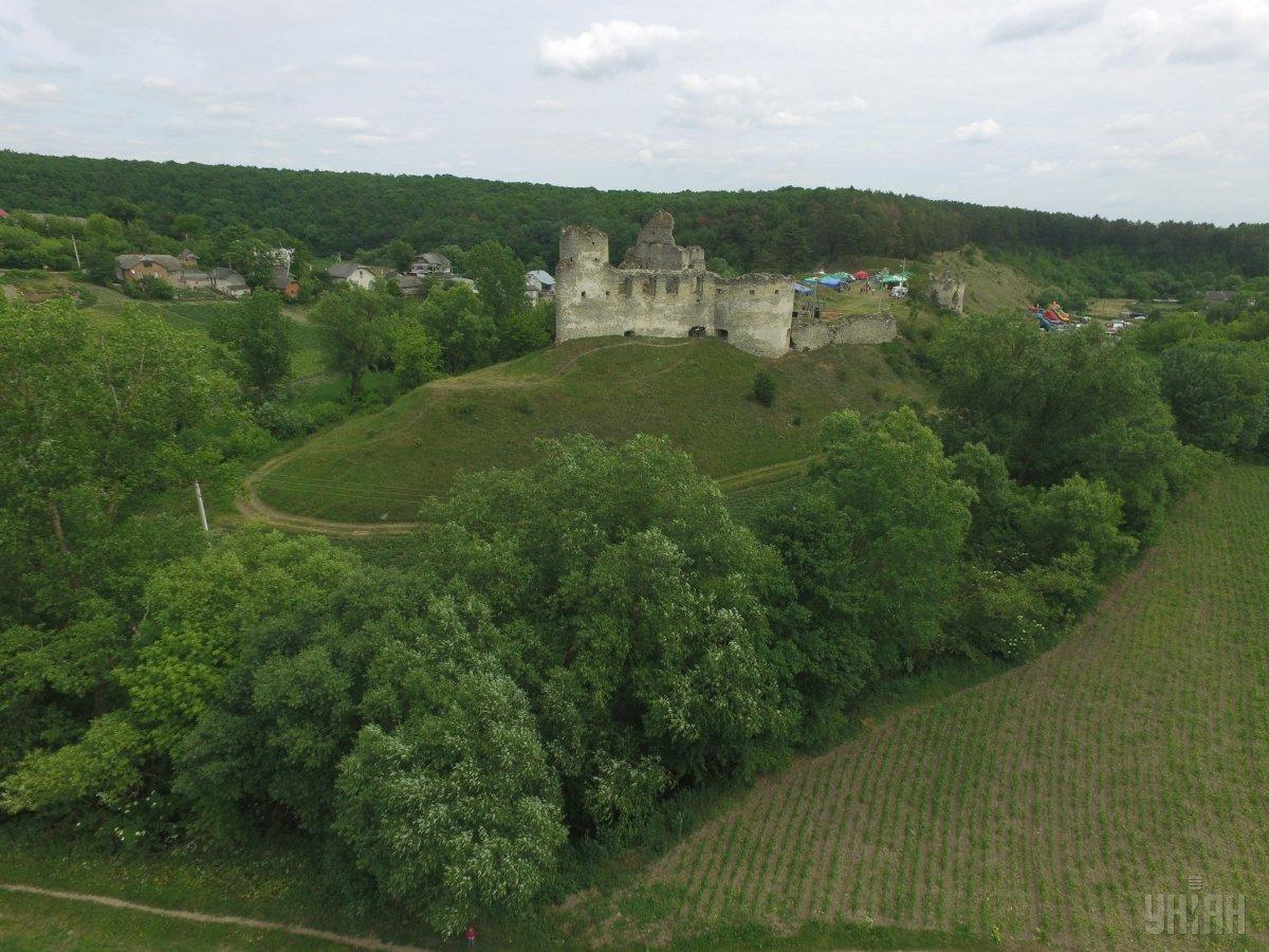Замок магнатів Калиновських у Сидорові / Фото УНІАН