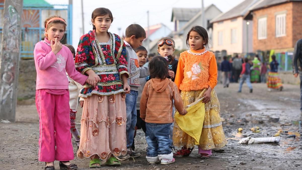 В некоторых регионах увеличилось число ромов, получающих среднее образование / фото Ukr-online.com