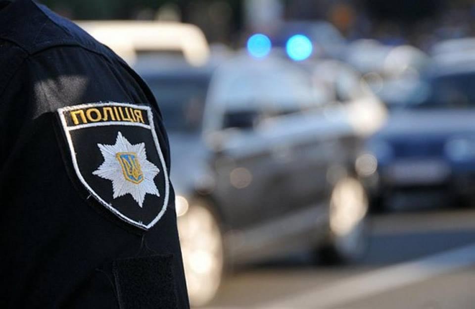 Поліцейські серйозно поговорили з жінкою і склали протокол про адміністративне порушення / facebook.com/MVS.LVIV