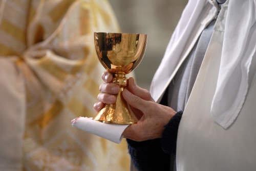 Священник на суде заявил, что был пьяным от причастия / famillechretienne.fr