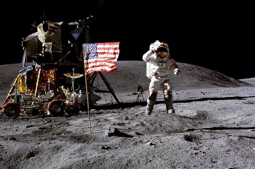 Святе Письмо доставив на Місяць екіпаж корабля «Аполлон-14» / zen.yandex.ru