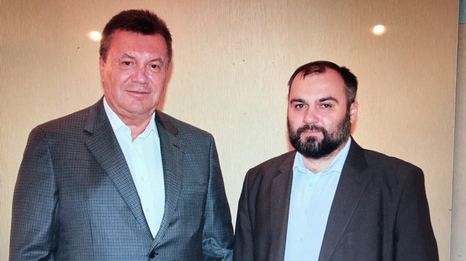 Виктор Янукович с адвокатом / FacebookВиктор Овсянников