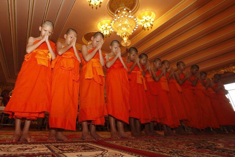 Спасенные из тайской пещеры дети девять дней провели в буддистском монастыре / apnews.com