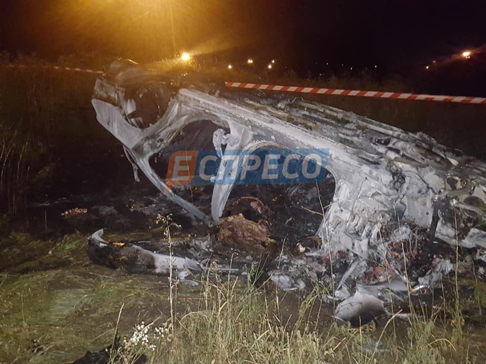 """Mercedes злетів з дороги і загорівся / фото """"Вартові Еспресо"""", Facebook"""
