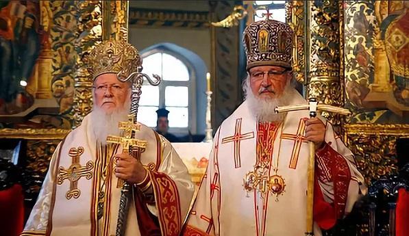Патріархи Варфоломій та Кирил / Фото: cirota.ru