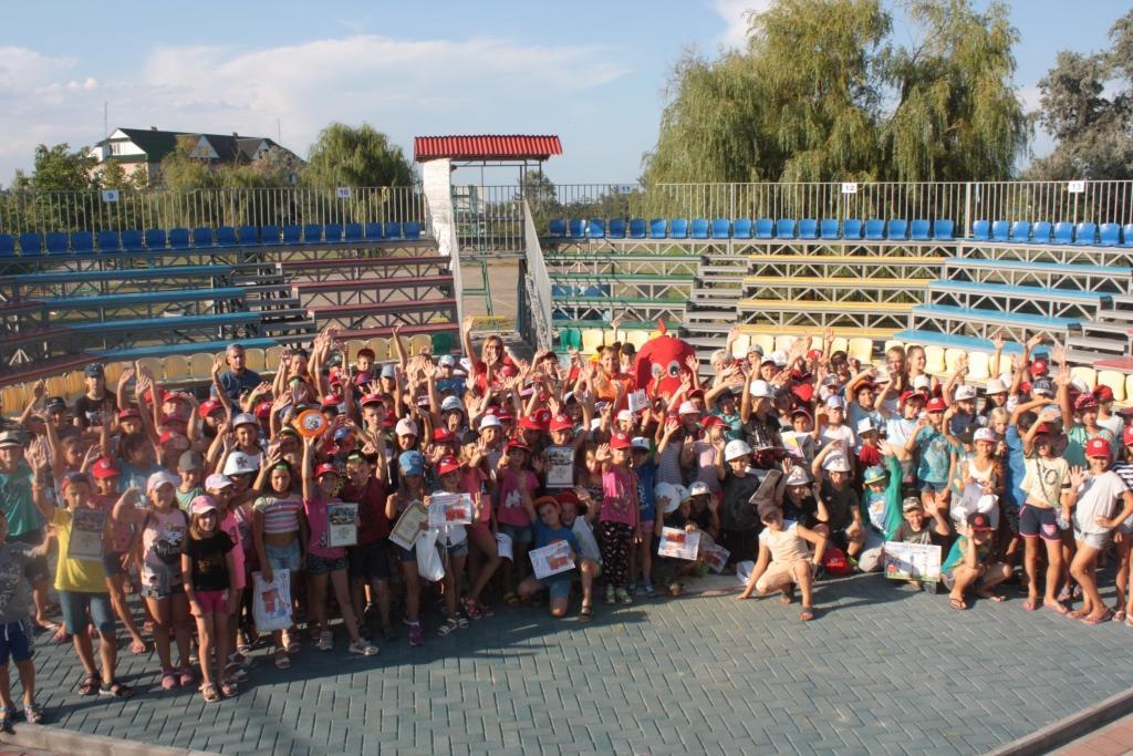 Около 200 детей 3 августа стали участниками квеста по безопасности в детском оздоровительном лагере «Райский уголок» на Бердянской косе