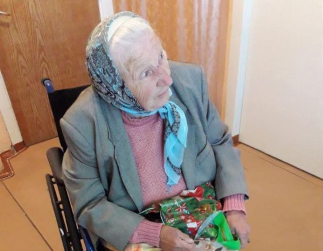 """У Миколаєві волонтери намагаються з'ясувати, як пенсіонерка подарувала свою квартиру синові головного лікаря міського пологового будинку №1 / фото """"Новости N"""""""
