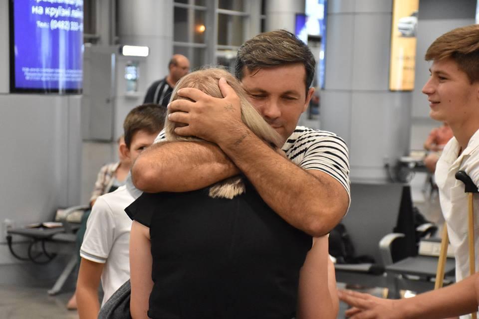 27 июля из Греции вернулись 12 моряков, которые находились на арестованном судне в Греции / фото Профсоюза работников морского транспорта Украины