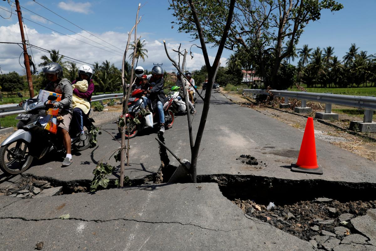 Последствия землетрясения в Индонезии / REUTERS
