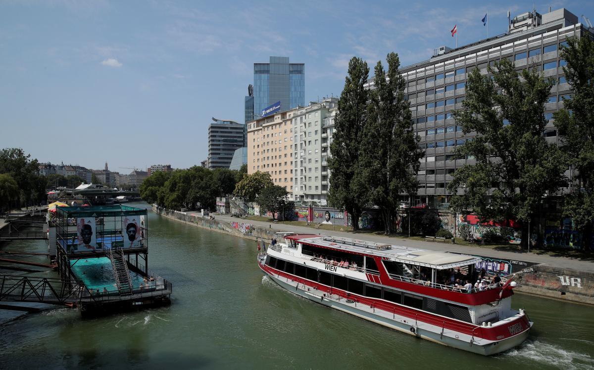Віденський плавучий басейн / Фото REUTERS