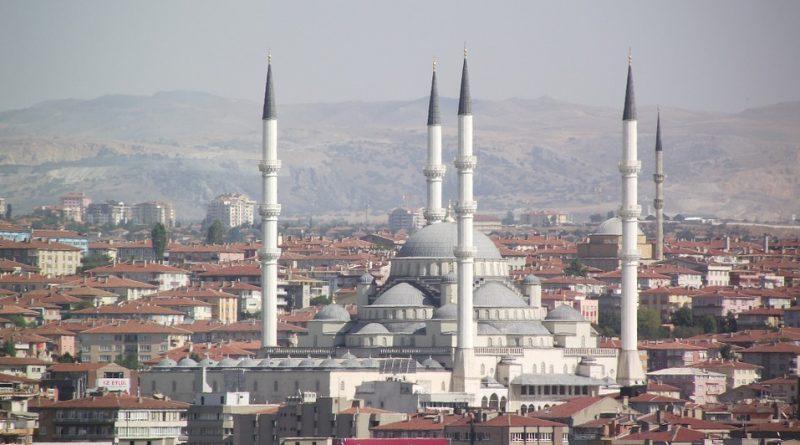 Президент Турции утверждает, что в стране нет проблем, связанных с религиозными меньшинствами / inVictory