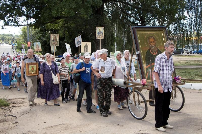 Хресний хід «Наш спільний шлях - Одигітрія» приурочений до святкування начесть чудотворної Смоленської ікони Божої Матері «Одигітрія» / smoleparh.ru