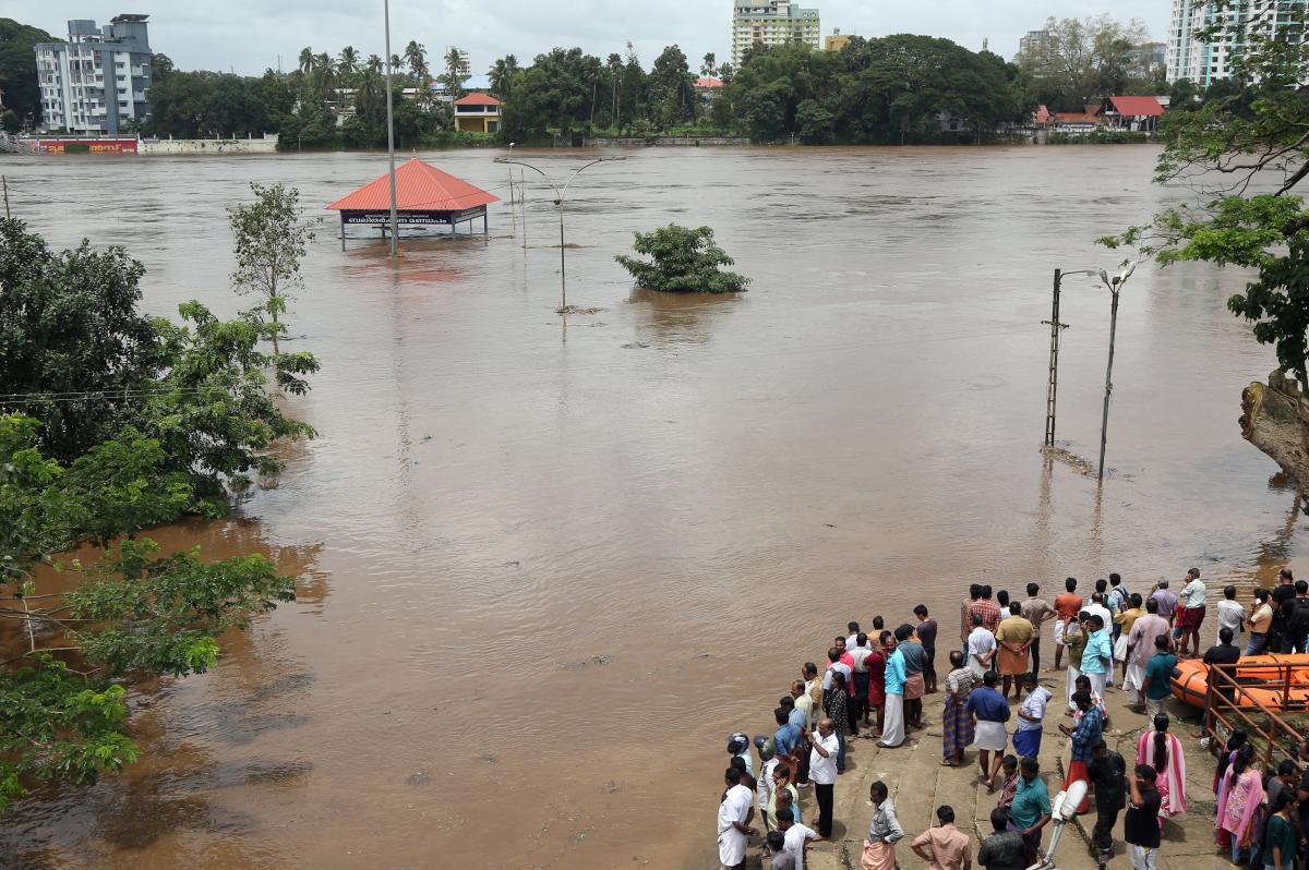 Юг Индии пострадал от наводнения / REUTERS