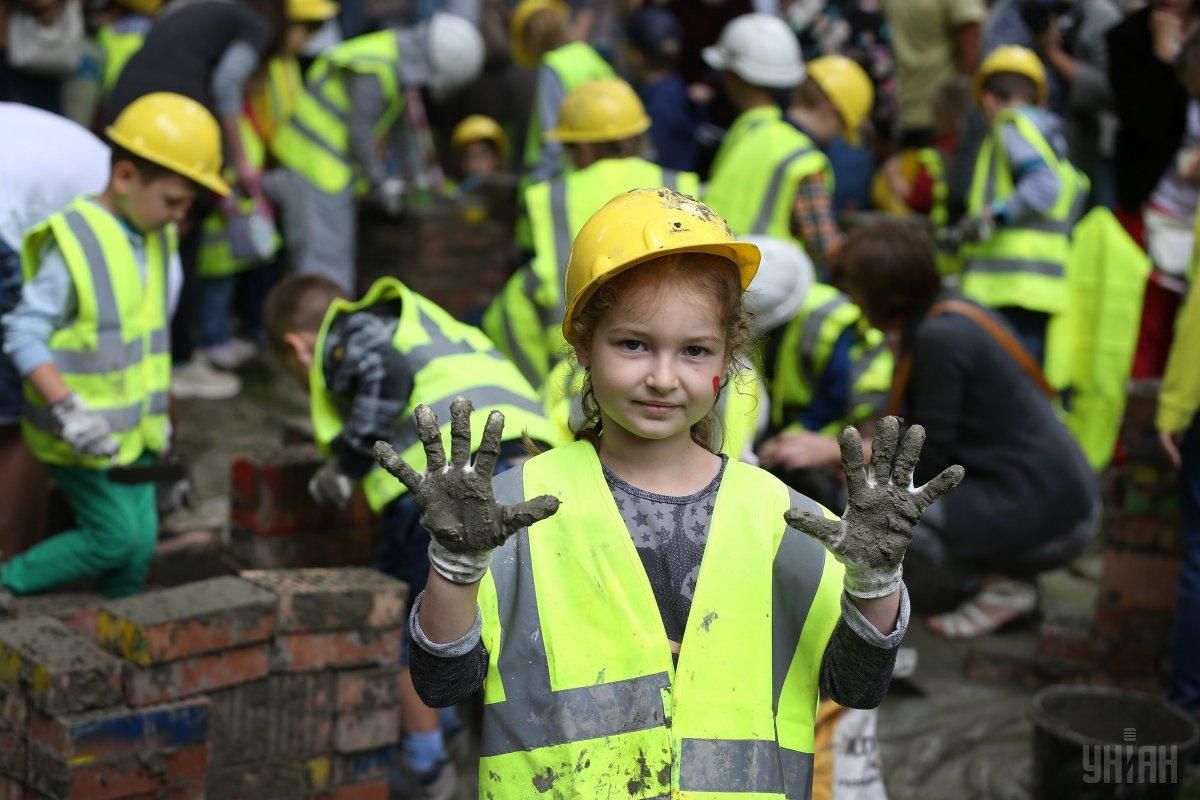 12 серпня відзначають День будівельника / фото УНІАН