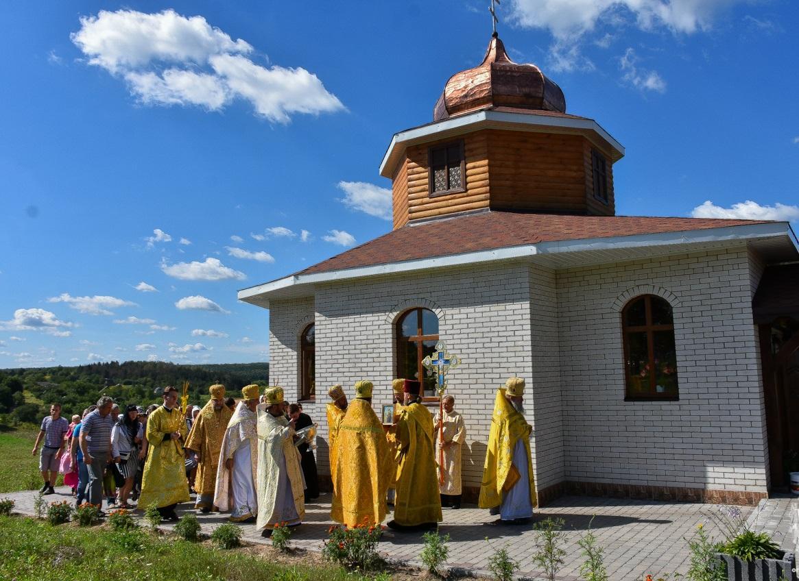 В Винницкой области освятили новый храм УПЦ в честь праведной Анны / orthodox.vinnica.ua