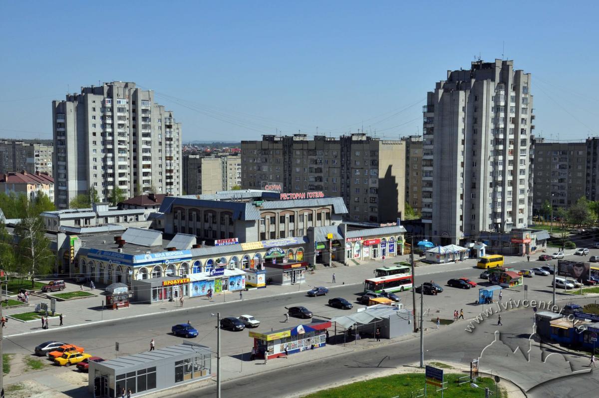 """""""Зубра-центр"""" називають """"Санта-Барбарою"""" через арки / Фото lvivcenter.org"""