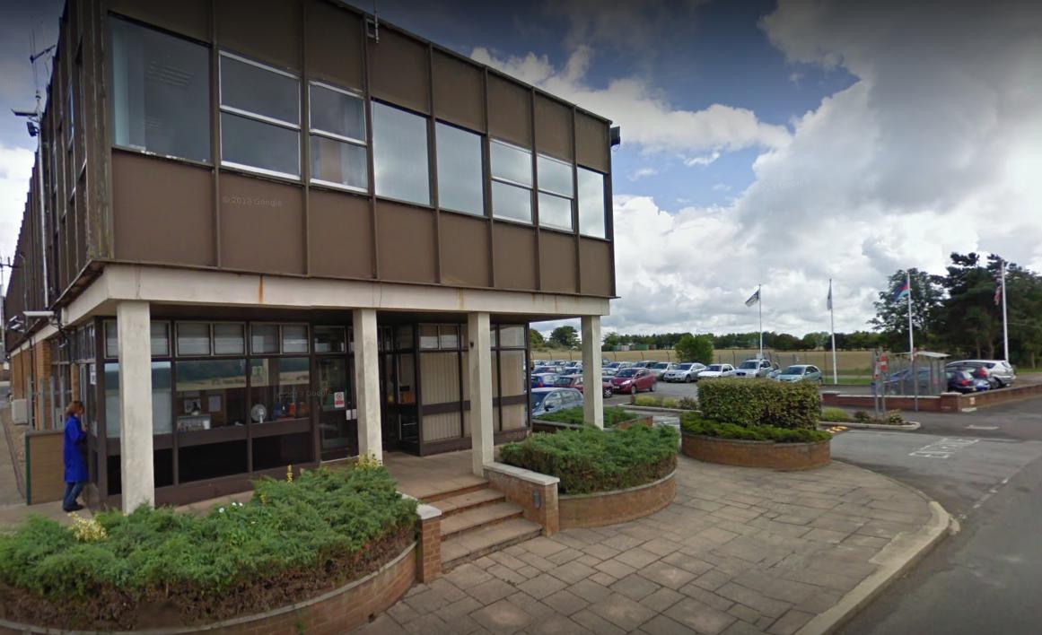 На военном заводе близ Солсбери произошел взрыв / фото Google