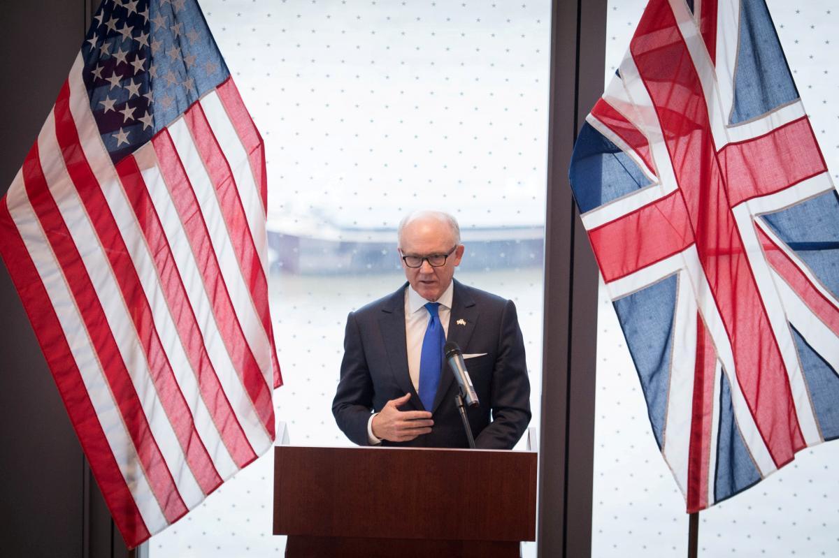 Посол США в Великобритании Роберт Вуд Джонсон / REUTERS