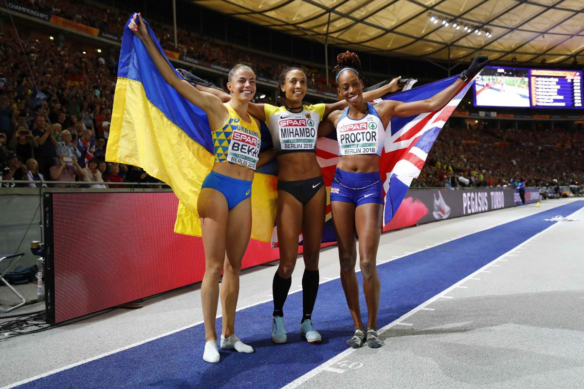 Ukraine's Maryna Bekh (left) jumped this season's best to clinch thesilver medal in the women's long jump / REUTERS