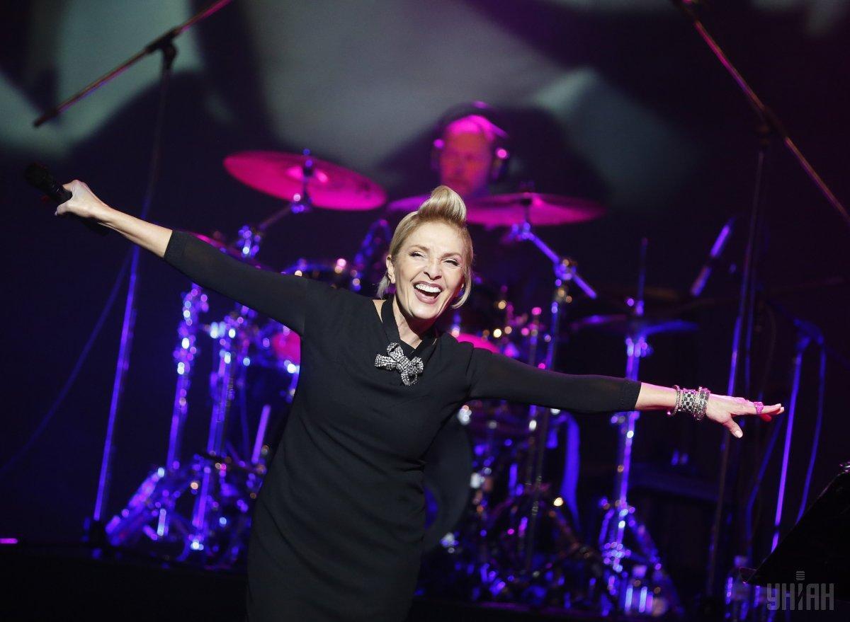 Латвійська співачка Лайма Вайкуле під час концерту в Києві, 18 березня 2016 року / фото УНІАН