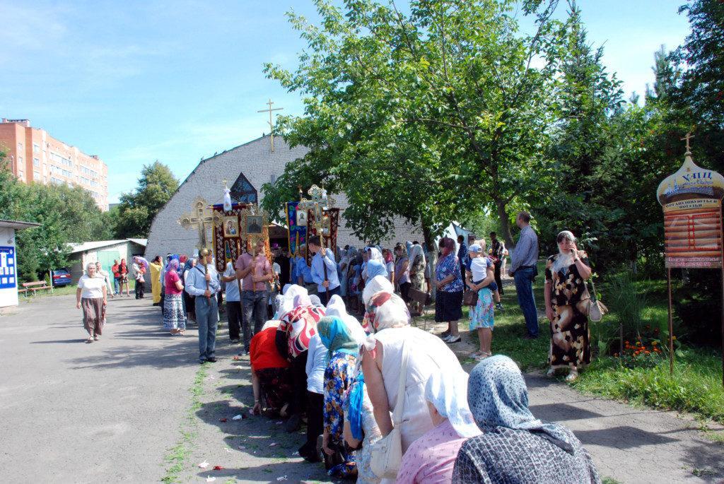 У Луцьку сотні православних пройшли хресним ходом з молитвою про загиблих у війнах / volyn.church.uа