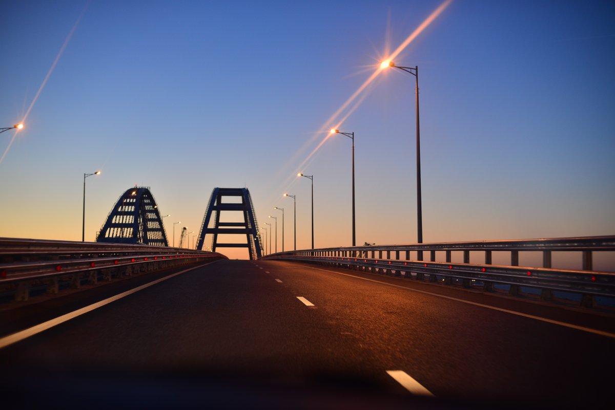 Окупанти зіткнулися з черговою проблемою на Кримському мосту / twitter.com/KrimRt