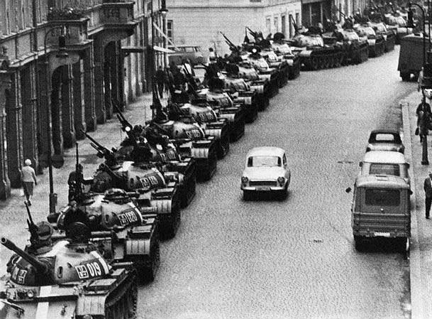 Более трети россиян считают, что вторжение советских войск в бывшую Чехословакию было оправданным / Flickr/ngao5