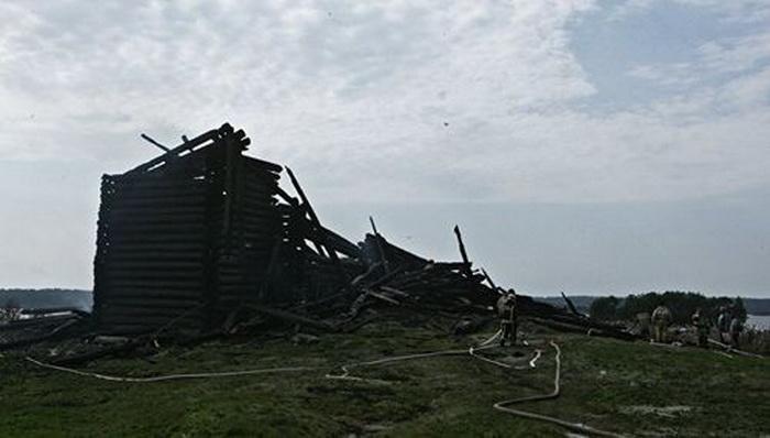 Сгоревшая Успенская церковь в Кондопоге / blagovest-info.ru