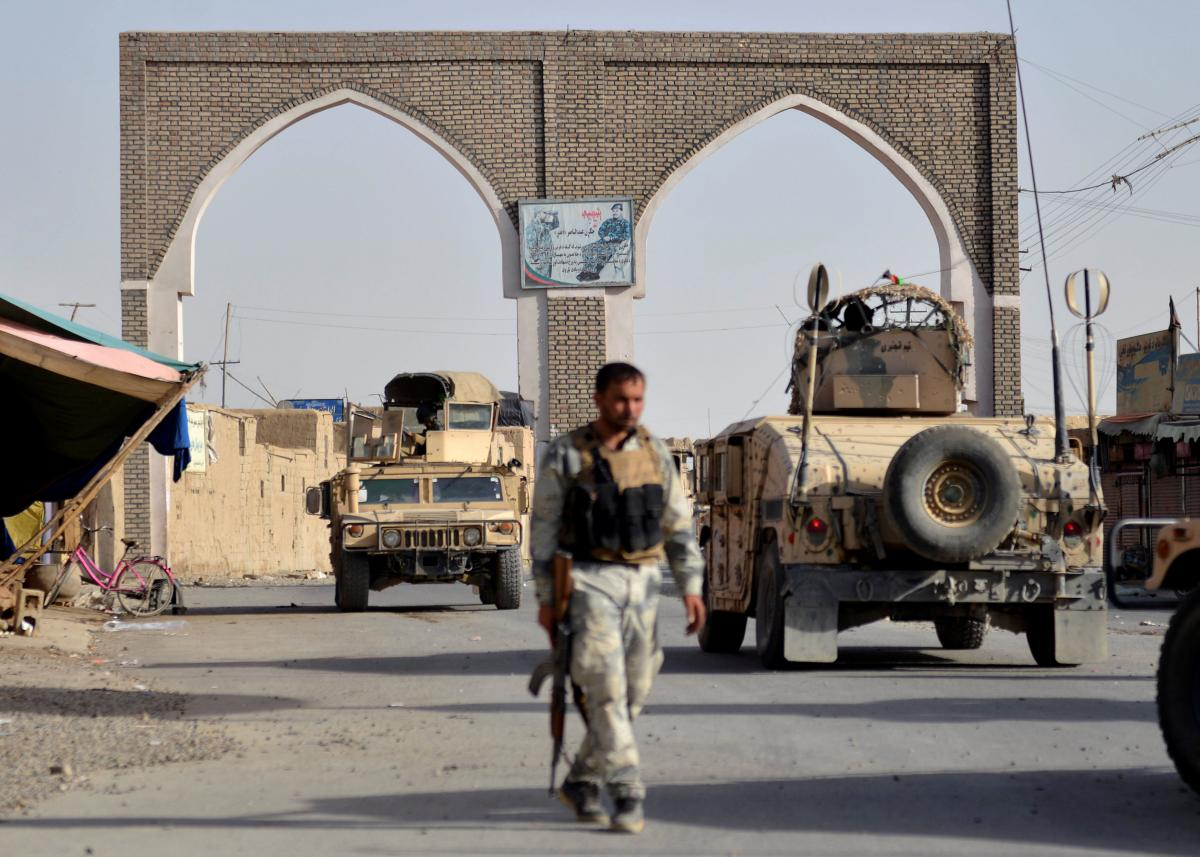 Taliban controls more than 2,000 armored vehicles, including American Humvees / photo REUTERS