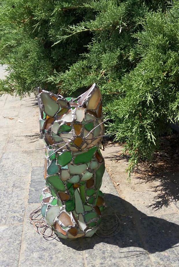 Скульптура встановлена в рамках проекту «Одеські коти» / фото facebook.com/eshelygina