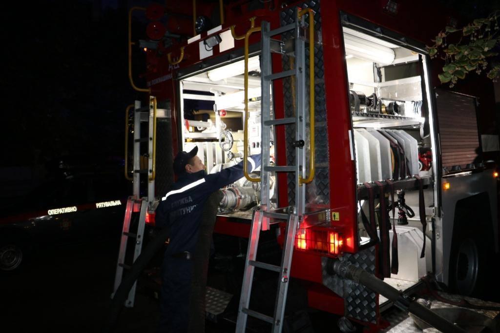 Вогнеборці ліквідували пожежу в одній із столичних лікарень / фото ДСНС