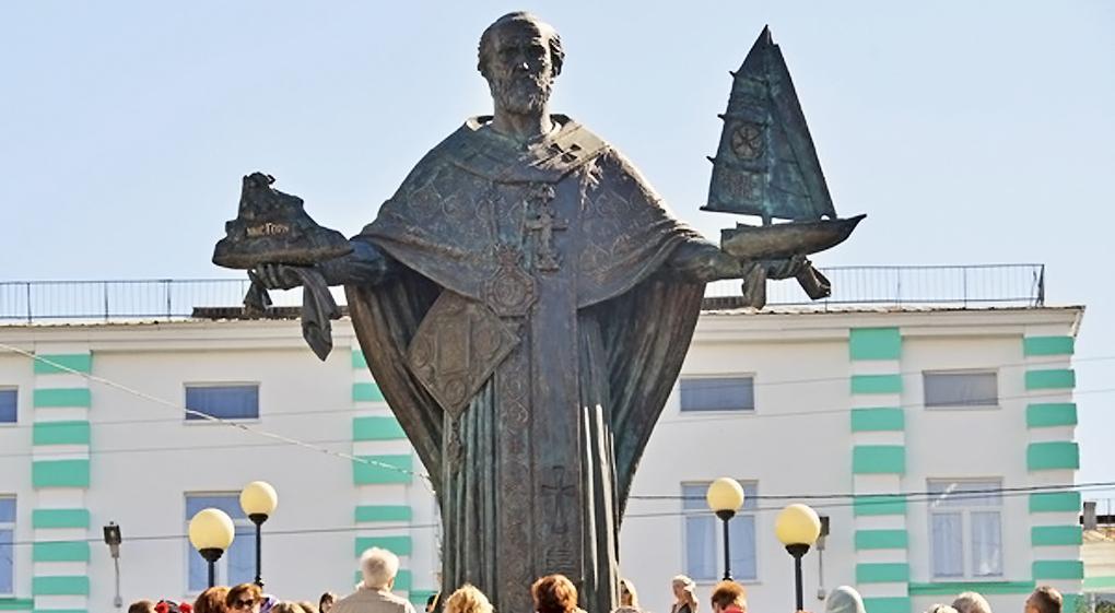 Скульптурний образ святителя Миколая Чудотворця створений з ікони, написаної самим отцем Федором / konyukhov.ru