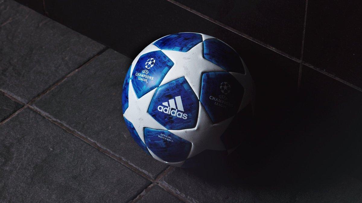 м'яч Ліги чемпіонів стане відтепер яскраво-синім, а зірки залишаться / twitter.com/adidasfootball