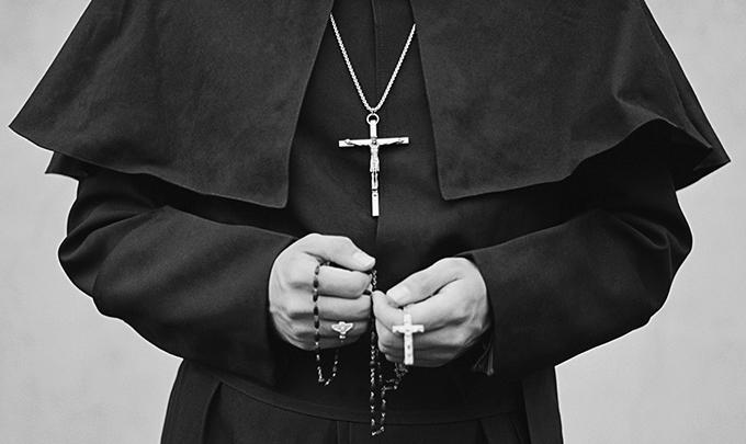 Звіт оприлюднив жахливі випадки сексуального насильства католицькими священиками / catholickemerovo.ru