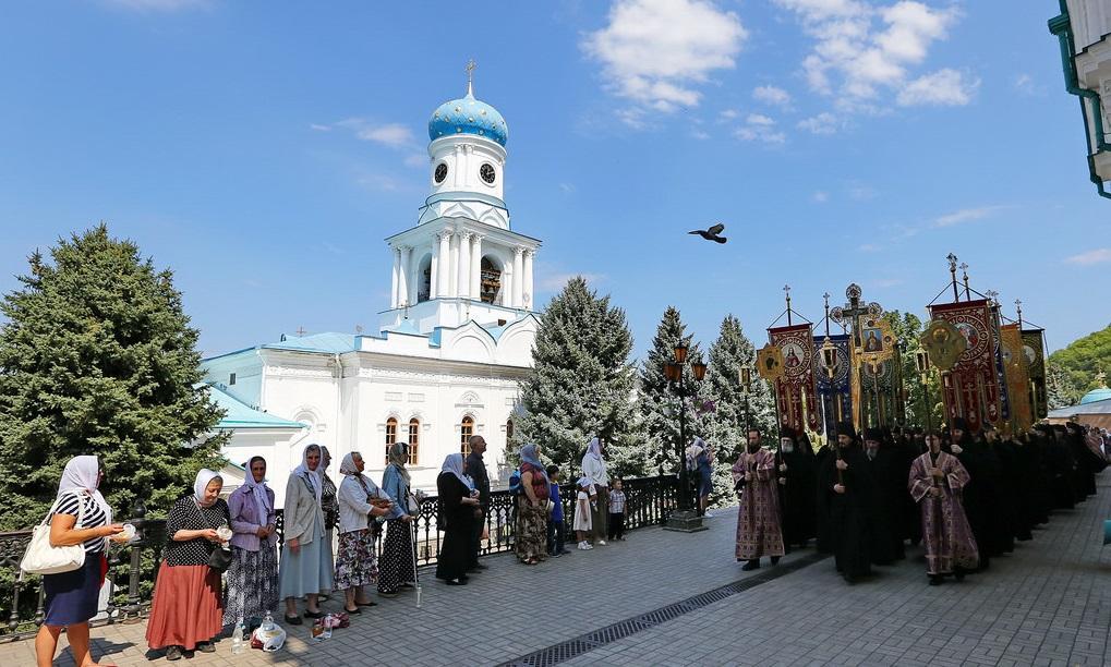 У Святогірській лаврі Успенський піст почали з хресного ходу / svlavra.church.ua
