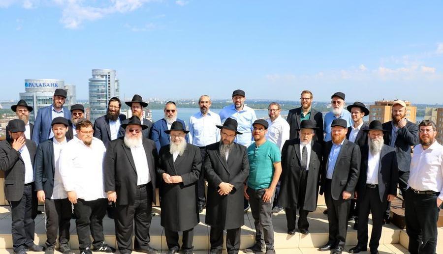 35 раввинов и еврейских общественных деятелей из разных стран посетили места, связанные с Любавическим ребе / jewishnews.com.ua