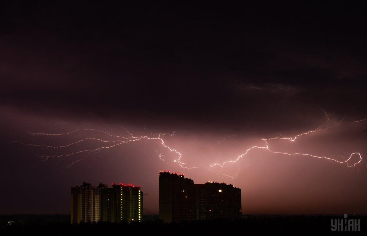 В Киеве ночью бушевал ураган / УНИАН