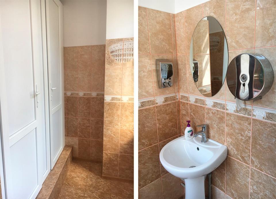"""Міносвіти розпочинає облаштовувати туалетиусередині шкіл / фото """"Жить в Херсоне"""" в Facebook"""