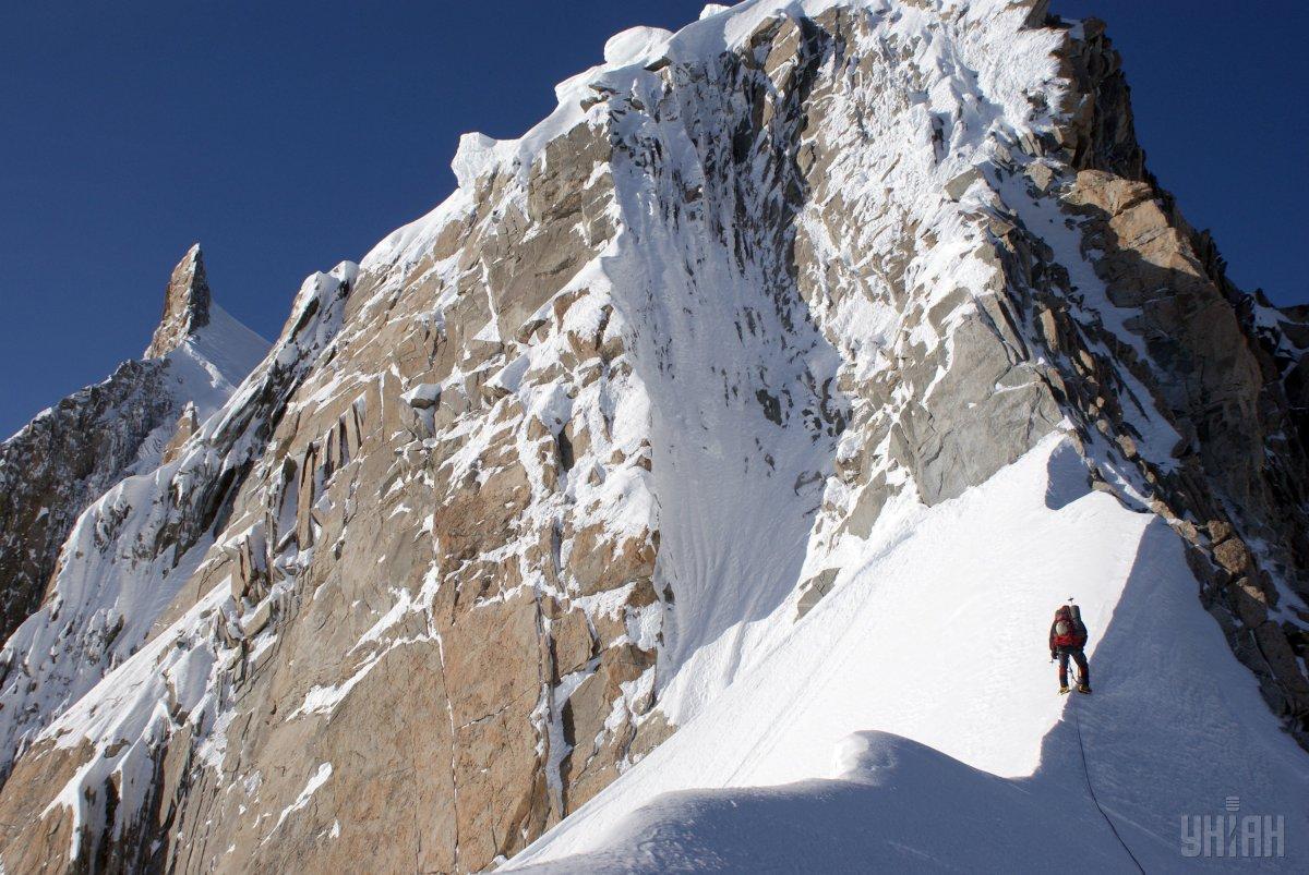 Авария произошла 25 января над ледником Рутор \ УНИАН
