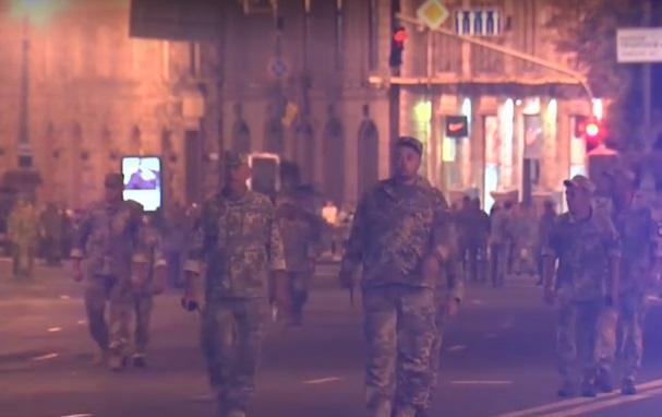 В прошлыйвечерв центре Киева проходила подготовка к параду / Скриншот